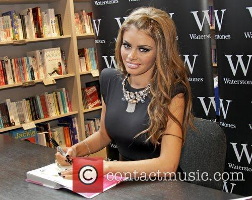 Chloe Sims meets fans and signs copies of...
