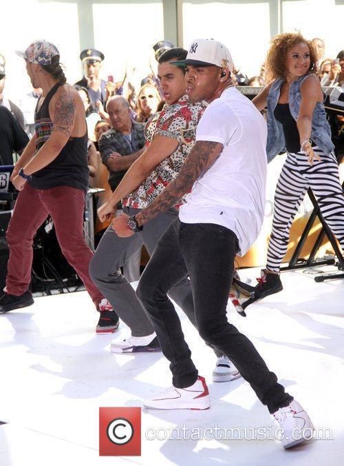 Chris Brown 32