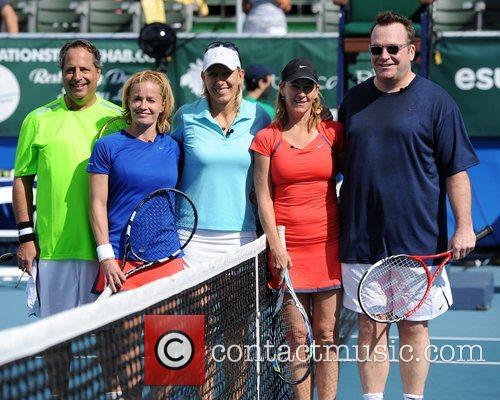 L-r, Jon Lovitz, Elizabeth Shue, Martina Navratalova, Chris Evert and Tom Arnold 1