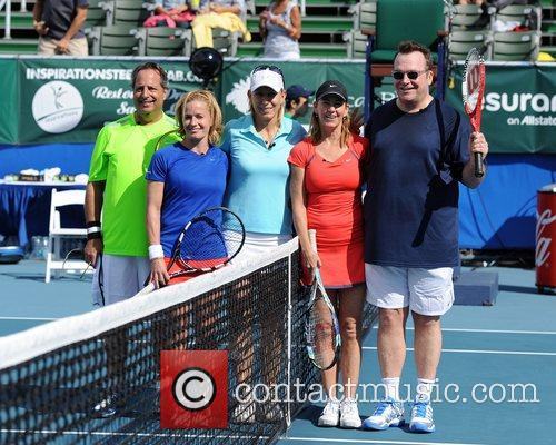 L-r, Jon Lovitz, Elizabeth Shue, Martina Navratalova, Chris Evert and Tom Arnold 2