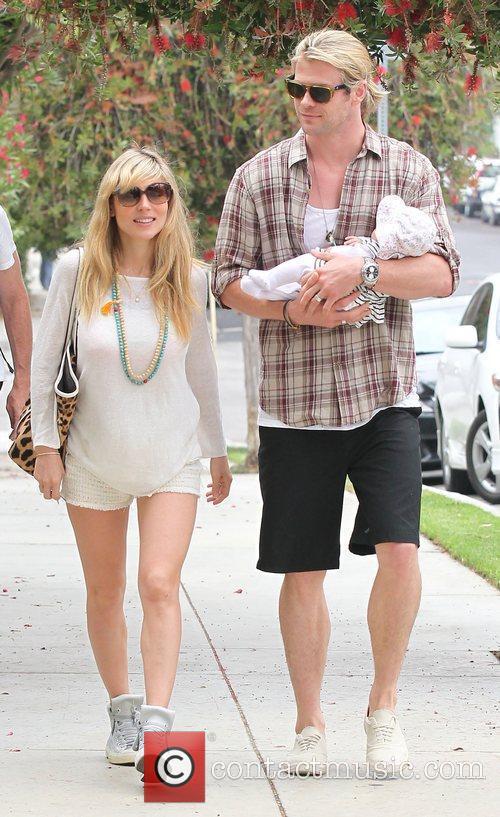 Elsa Pataky and Chris Hemsworth 9