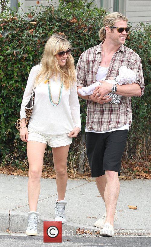 Elsa Pataky and Chris Hemsworth 11