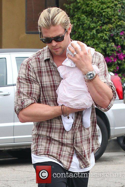 Elsa Pataky, Chris Hemsworth and Outfit 7