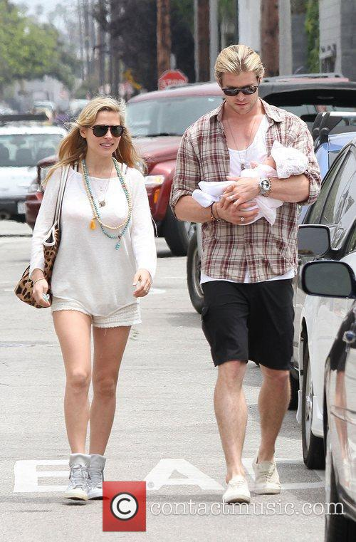 Elsa Pataky, Chris Hemsworth and Outfit 10