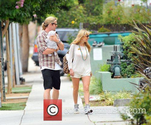 Elsa Pataky, Chris Hemsworth and The Tiny 22