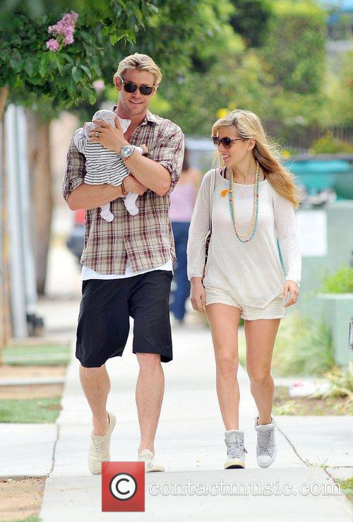 Elsa Pataky, Chris Hemsworth and The Tiny 6