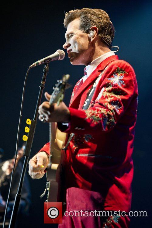 Chris Isaak, Apollo Hammersmith, London and England 12