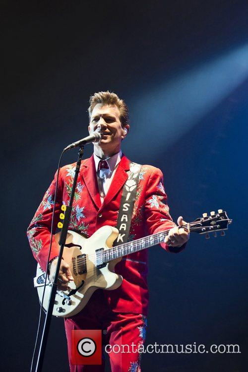 Chris Isaak, Apollo Hammersmith, London and England 4
