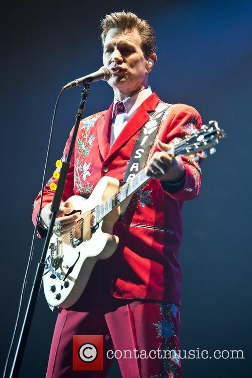Chris Isaak, Apollo Hammersmith, London and England 8