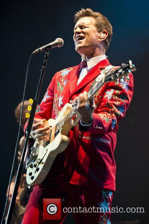 Chris Isaak, Apollo Hammersmith, London and England 3