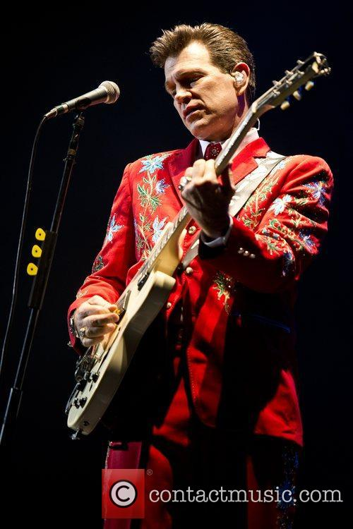 Chris Isaak, Apollo Hammersmith, London and England 1