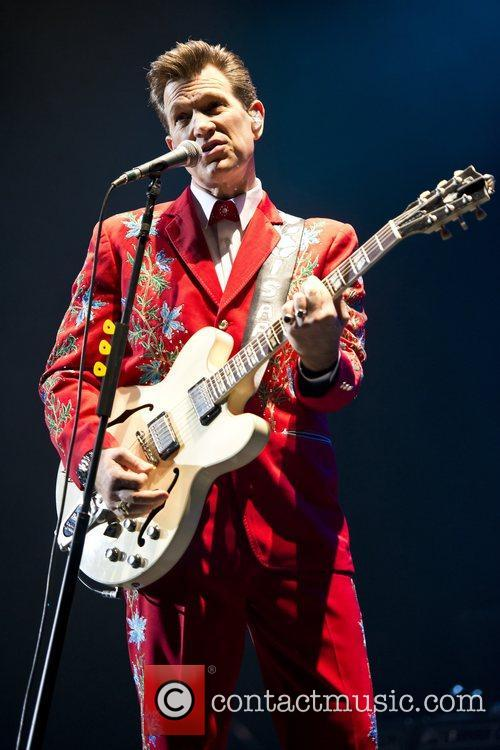 Chris Isaak, Apollo Hammersmith, London and England 6