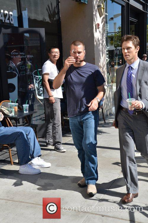 Chris O'Donnell spotted leaving Starbucks on Beverly Drive...