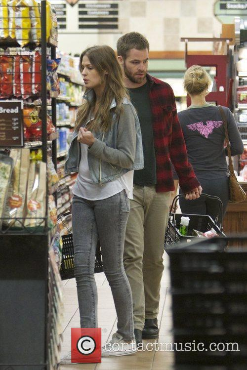 Chris Pine and new girlfriend Dominique Piek go...