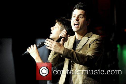 Joey Mcintyre and Jordan Knight 6