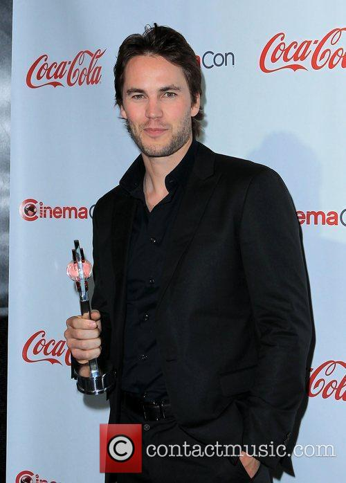 Taylor Kitsch and Caesars Palace 5