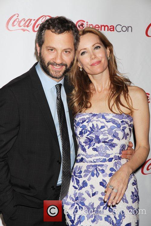 Leslie Mann, Judd Apatow and Caesars Palace 4