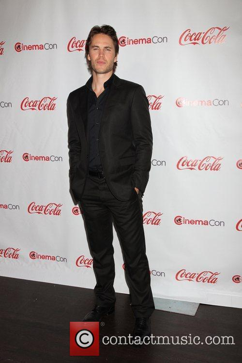 Taylor Kitsch and Caesars Palace 11