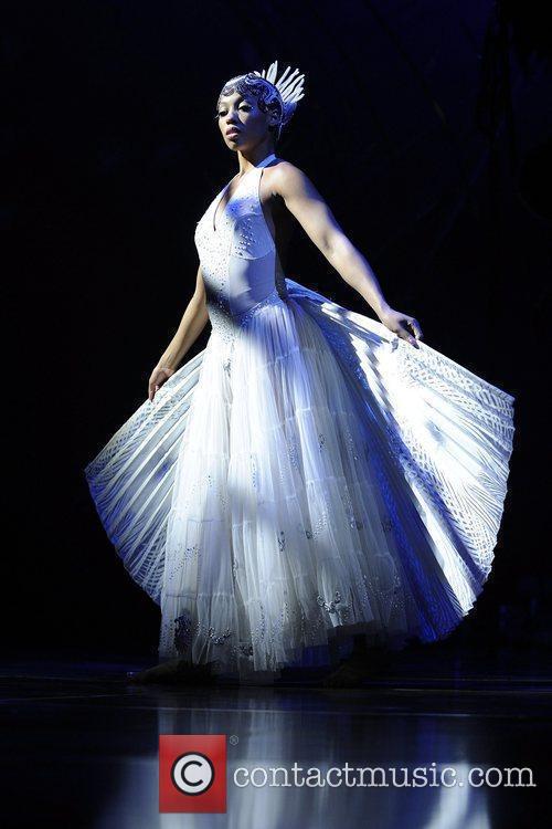 Peacock Dance  Cirque Du Soleil 'Amaluna' dress...
