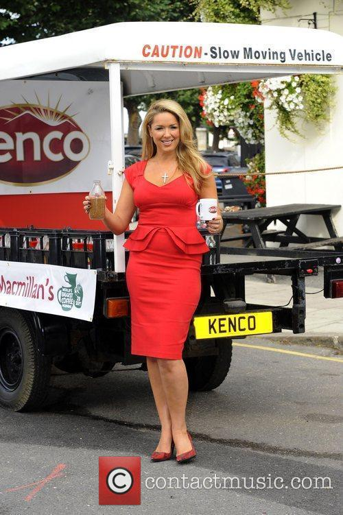 claire sweeney has teamed up with kenco 4075697