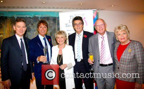 Anthony Andrews, Judith Chalmers, Sir Cliff Richard, Gloria Hunniford and Mike Reed 3