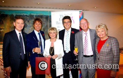 Anthony Andrews, Judith Chalmers, Sir Cliff Richard, Gloria Hunniford and Mike Reed 1