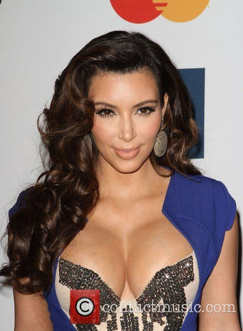 Kim Kardashian and Beverly Hilton Hotel 1