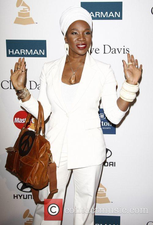 India Arie and Beverly Hilton Hotel 2