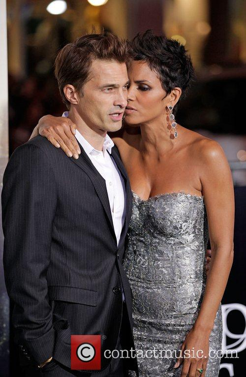 Halle Berry, Olivier Martinez and Grauman's Chinese Theatre 2
