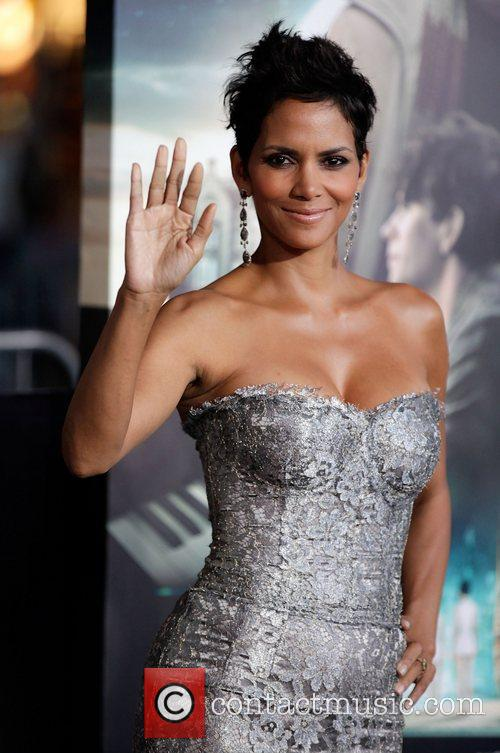 Halle Berry and Grauman's Chinese Theatre 5