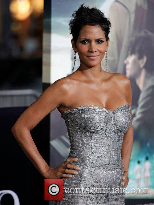 Halle Berry and Grauman's Chinese Theatre 3