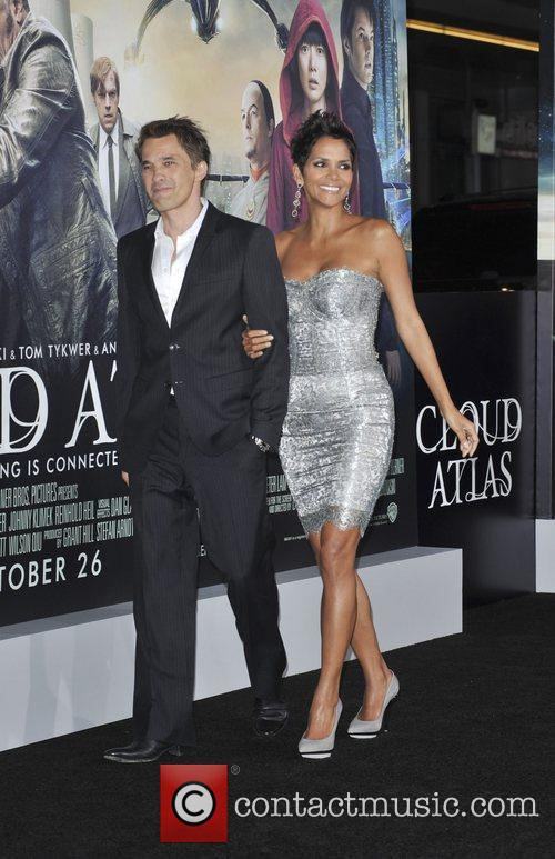 Halle Berry and Olivier Martinez 8