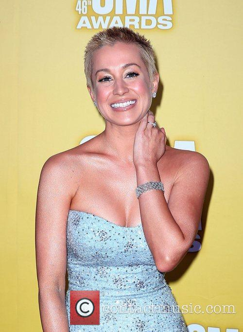 Kellie Pickler and Cma Awards 5