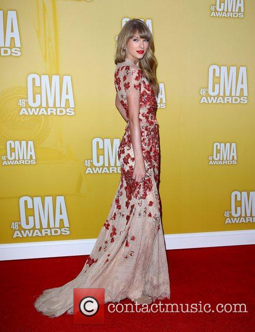 Taylor Swift and Cma Awards 4