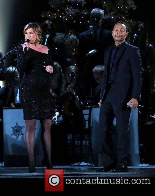 Jennifer Nettles and John Legend 6