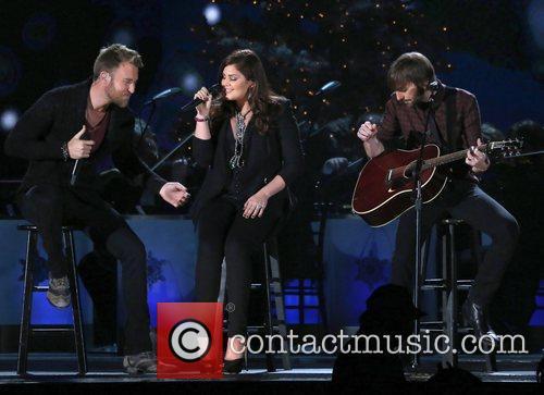 Lady Antebellum 2012 CMA Country Christmas at Bridgestone...