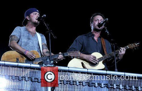 Love and Theft 2012 CMA Music Festival Nightly...