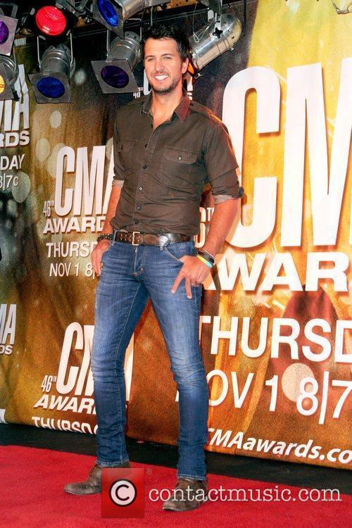Luke Bryan and Cma Awards 11