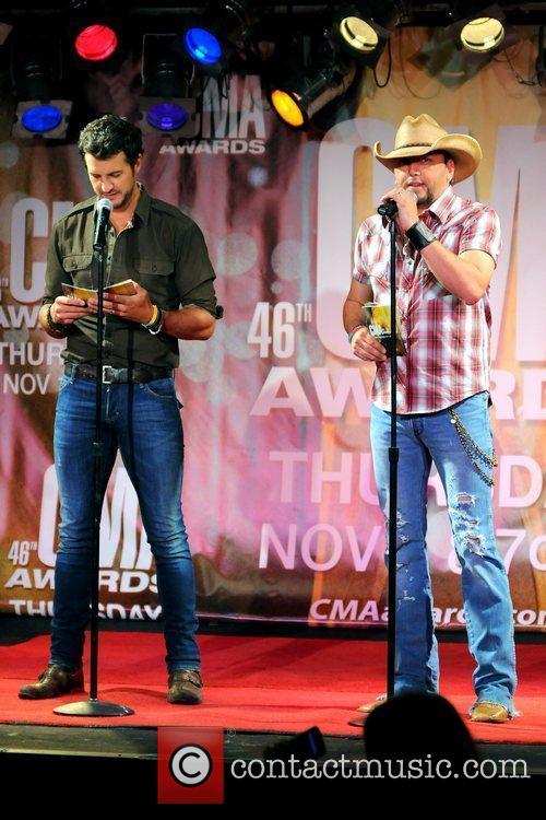 Luke Bryan, Jason Aldean and Cma Awards 2