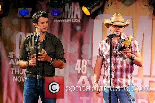 Luke Bryan, Jason Aldean and Cma Awards 3