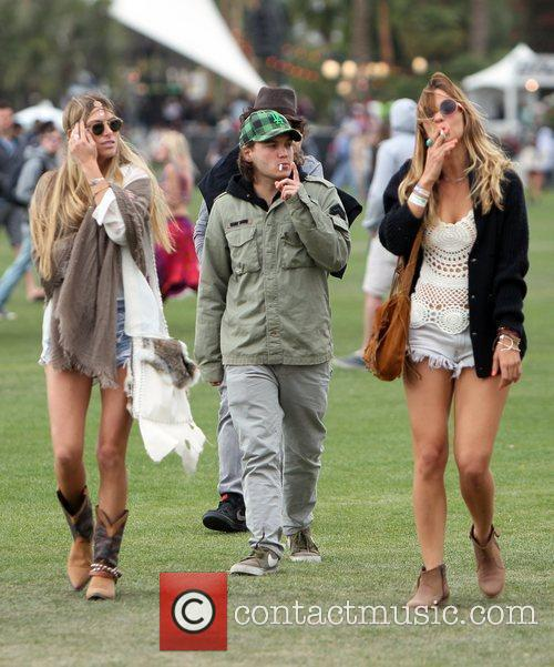 Emile Hirsch and Coachella 7