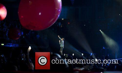 Chris Martin and O2 Arena 6