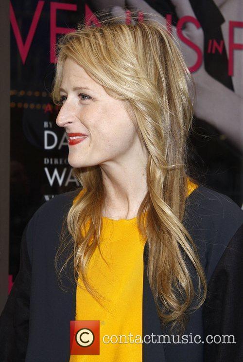 Mamie Gummer (actress / Meryl Streep's daughter)...