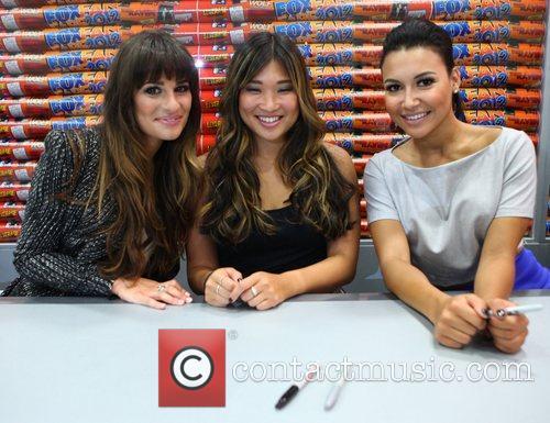 Lea Michele, Jenna Ushkowitz and Naya Rivera 3