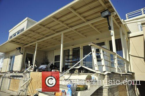 Hurricane Sandy recovery and volunteer efforts in Coney...