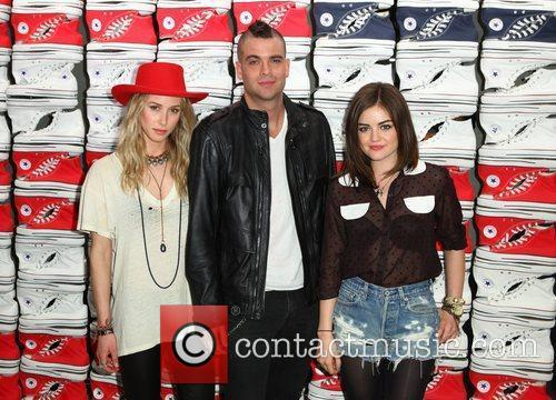 Gillian Zinser, Lucy Hale and Mark Salling 2