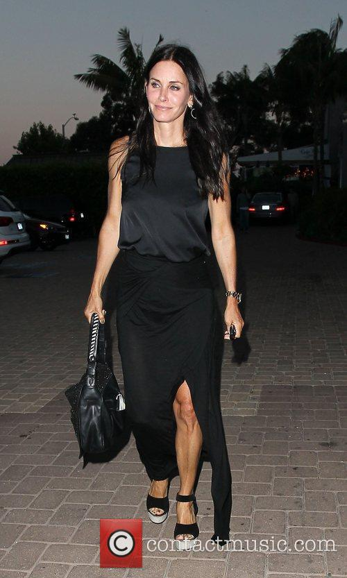 courteney cox leaving malibu country mart after 3980869