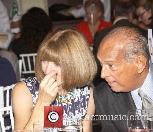 Anna Wintour and Oscar De La Renta 2