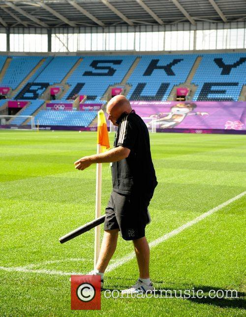 Last minute preparations Olympic Football Women's Preliminary game...