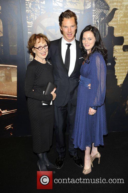 Benedict Cumberbatch, Lara Pulver and Una Stubbs 7